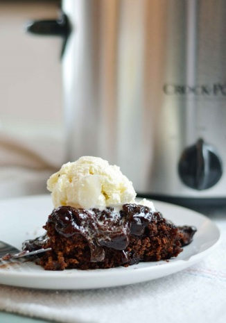 slow-cooker-chocolate-cake