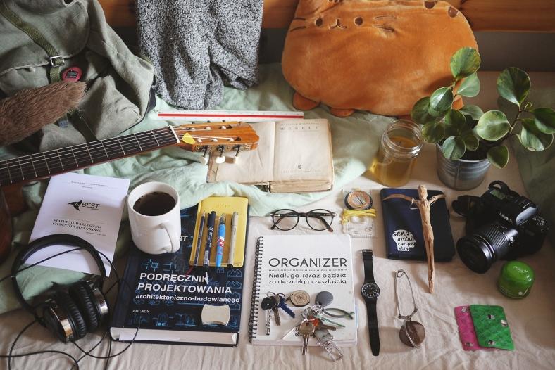 essentials_hania
